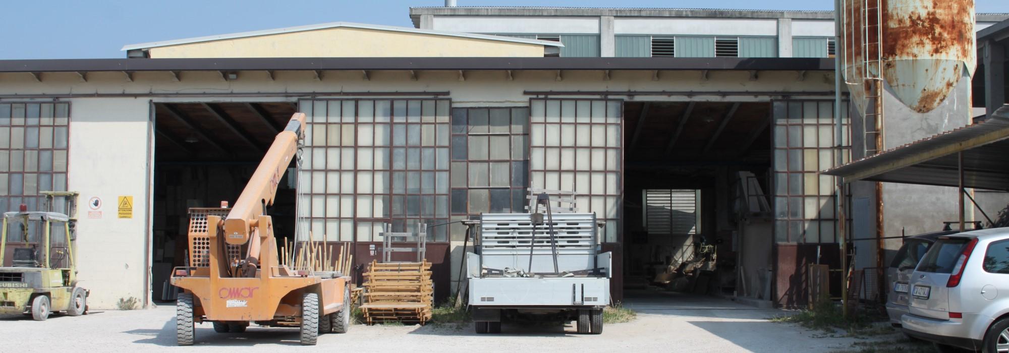 Laboratorio Capannone Piazzale Uffici Volargne